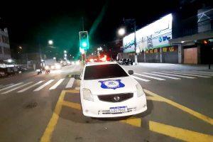 equipes da Guarda Civil Municipal (GCM) e do 30º Batalhão de Polícia Militar fiscalizaram vários pontos da cidade
