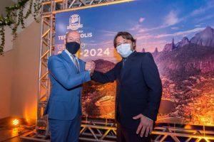 O prefeito Vinicius Claussen e o vice Dr. Ari Boulanger, tomam posse em Teresópolis