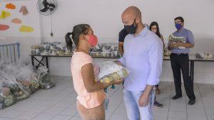 Campanha 'Proteja e Salve Vidas' completa um ano e promove nova entrega de produtos para pessoas inscritas nos CRAS e no CREAS