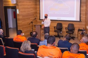 Prefeito Vinicius Claussen destaca a importância do trabalho conjunto entre Prefeitura e Unifeso no projeto Proteger Teresópolis