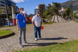 Secretário de Turistmo Maurício Weichert e o presidente do Clube Amigos do Antigo, Sydney Mandarino