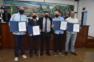 Profissionais da saúde recebem homenagem da Câmara Municipal de Teresópolis